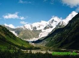 V Gornom Altae stanet na pjat' zakaznikov i parkov bol'she