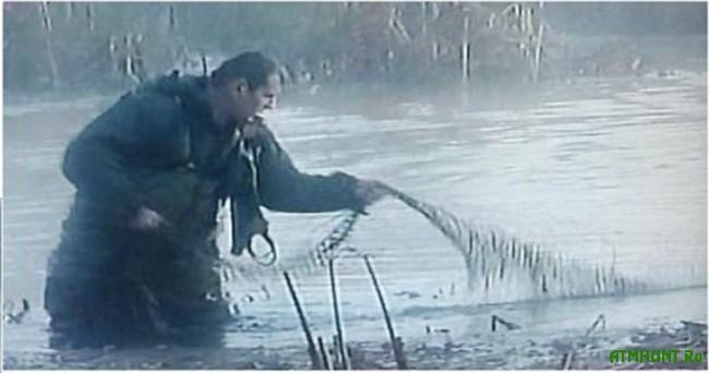 рыболов поймал 7 ершей а карасей на 4