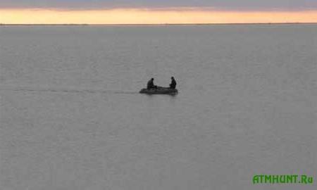 Zaporozhskogo rybaka uneslo na lodke v otkrytoe more