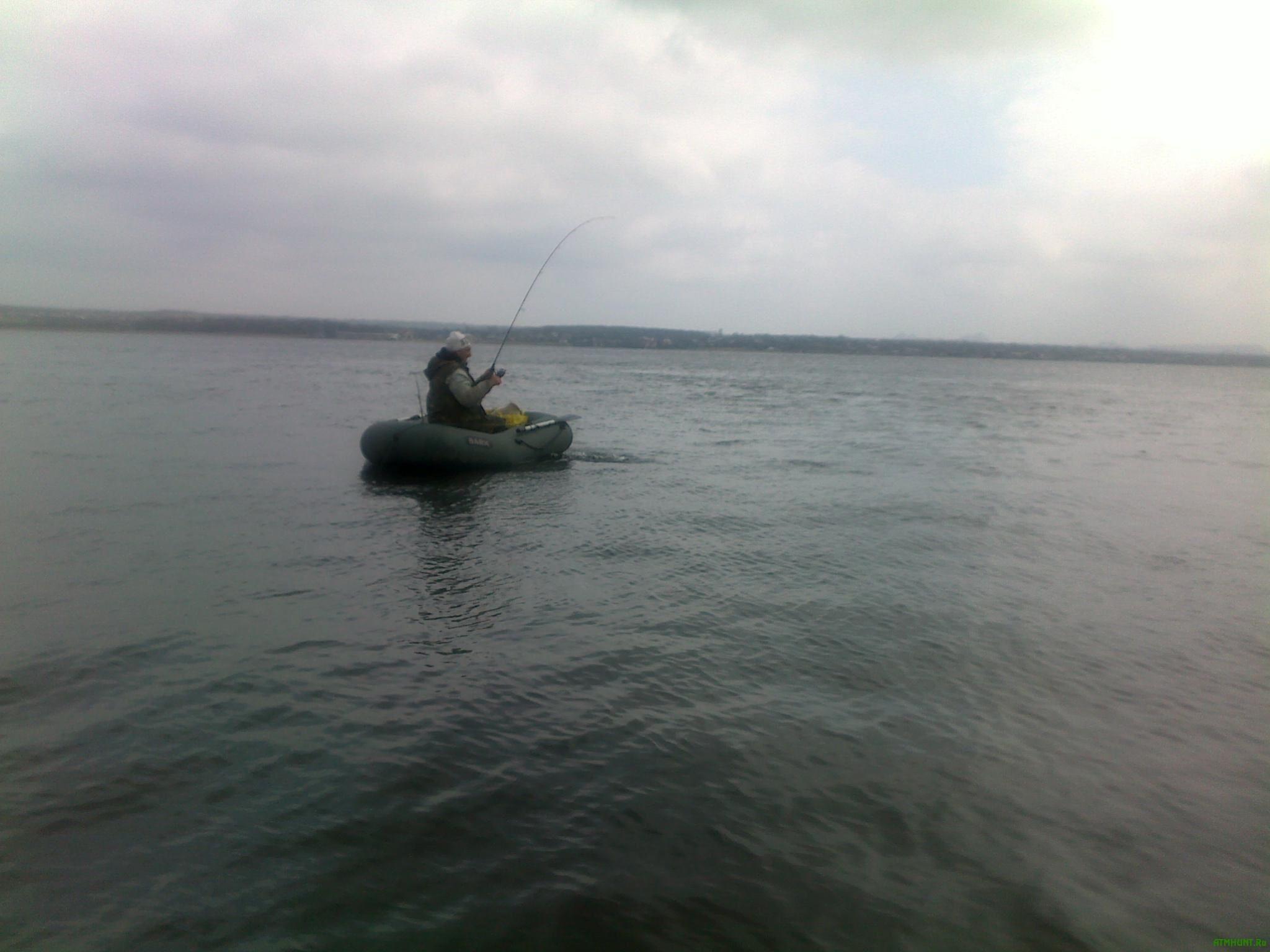 Na Odesshhine vo vremja rybalki chut' ne pogibli troe muzhchin