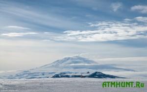 Pod l'dami Antarktidy obnaruzhili ogromnoe ozero