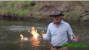 V Avstralii pojavilas' gorjashhaja reka (video)